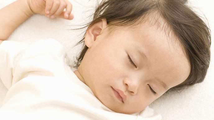 お風呂に入る時間でも寝ている赤ちゃん