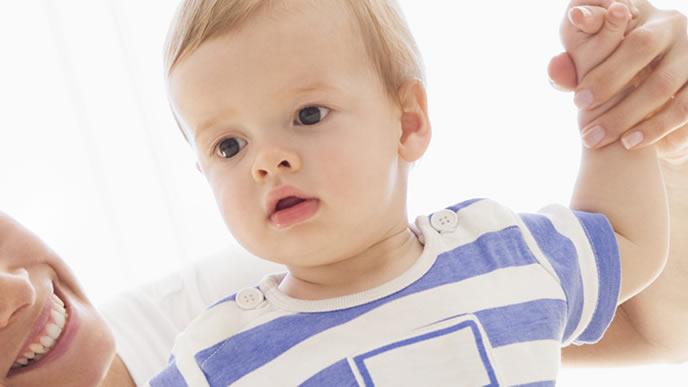 体調が悪く視点が定まらない赤ちゃん