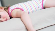 赤ちゃんが咳をして吐くときのケア・原因と受診目安