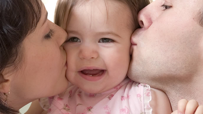 ママパパに愛される赤ちゃん