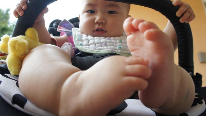 そろそろファーストシューズを履く時期の赤ちゃん