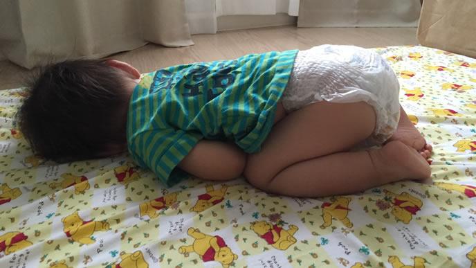 たまにうつぶせ寝をする赤ちゃん