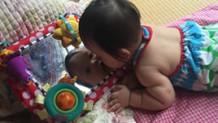 赤ちゃんの一人遊びの見守り方・一人で遊ぶ子遊べない子の発達