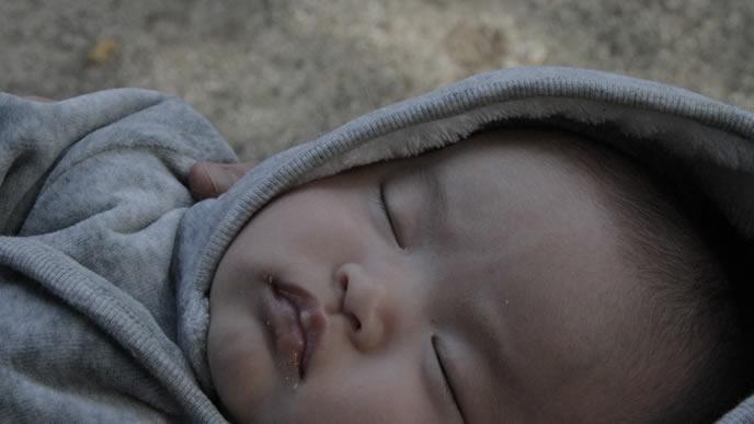 夜に大人しく寝てくれる赤ちゃん