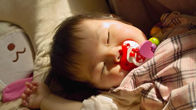 おしゃぶりが無いと寝られない赤ちゃん