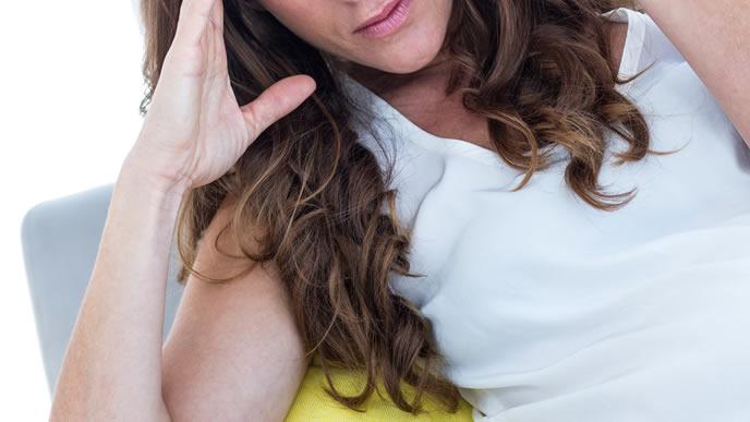 前駆陣痛に悩まされる臨月が近い妊婦
