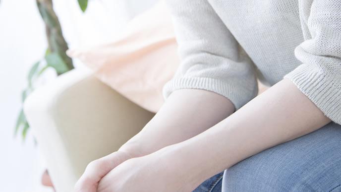 バニシングツインの悩みを打ち明けられない妊婦