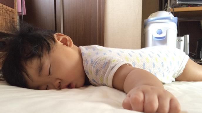 スヤスヤお眠り中の赤ちゃん
