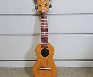 手作りギターの画像
