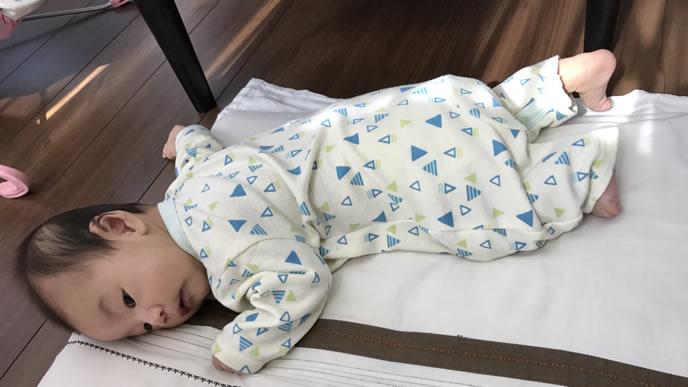 うつ伏せ寝から戻れない赤ちゃん