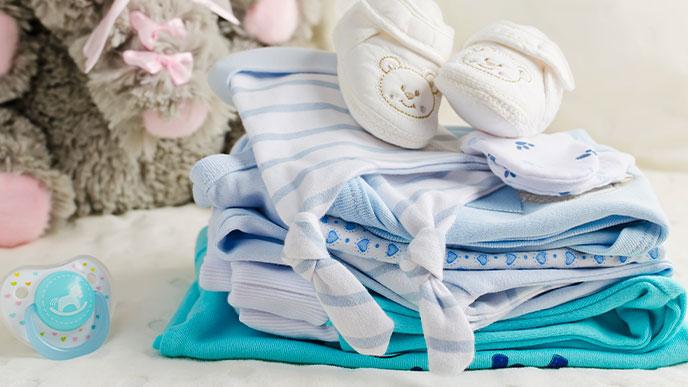 赤ちゃんのお出かけ|予備の下着や衣類を多めに持つ