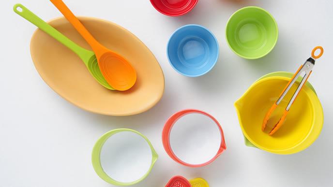 落としても平気なプラスチック製の食器