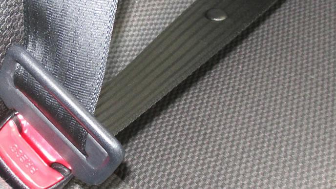 妊婦が乗る車のシートベルト