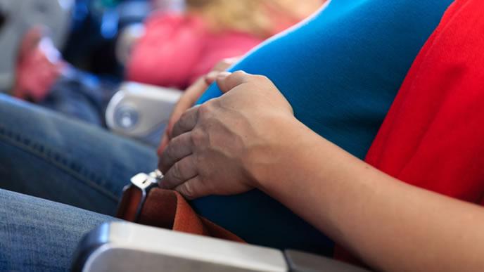 シートベルトの着用を免除された妊婦