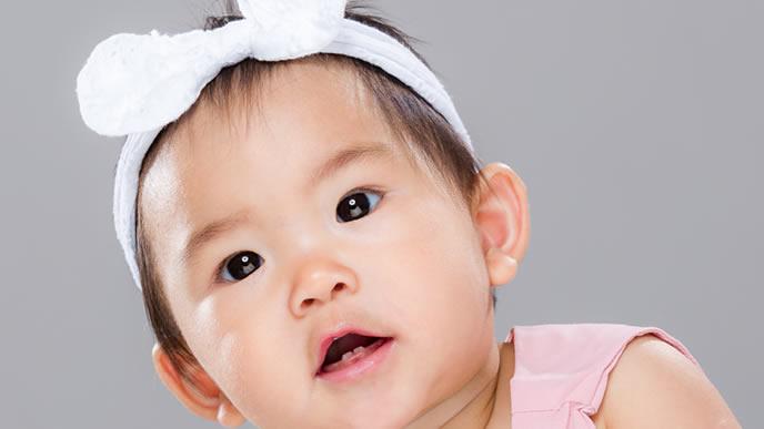 可愛い赤ちゃんにピッタリのヘアバンド