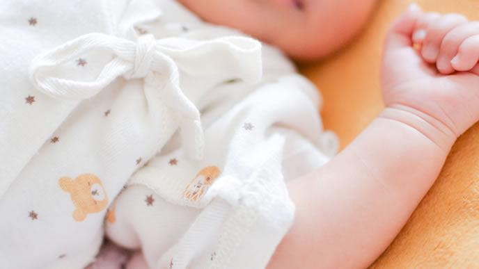 痙攣がおさまった赤ちゃんの手