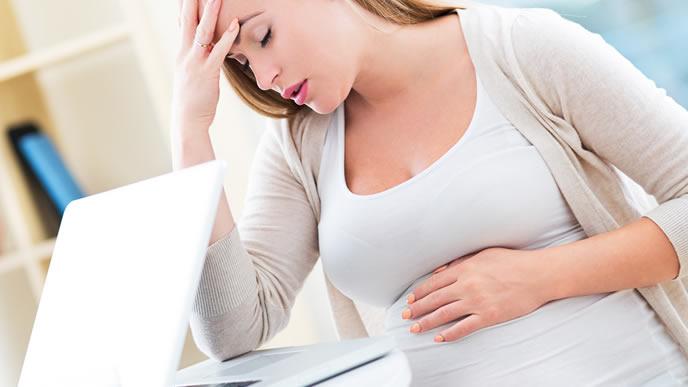 仕事中に動悸を感じた妊婦さん