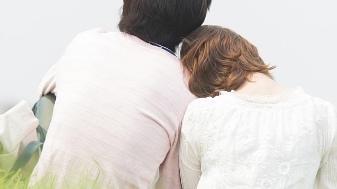里帰り出産するため夫と離れる妻