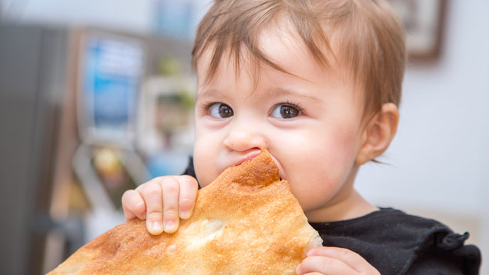 9ヶ月からの離乳食パンの与え方