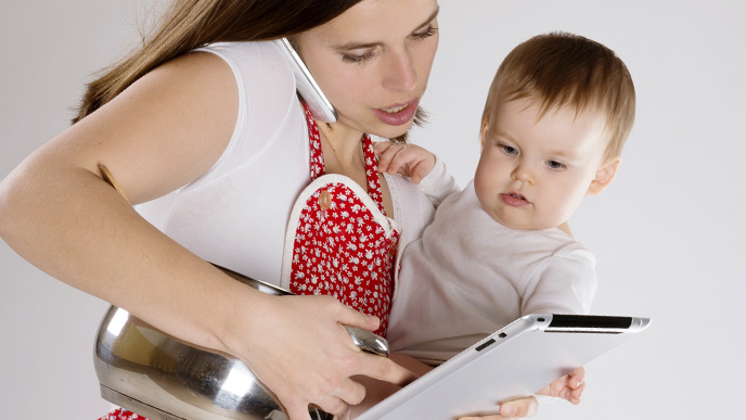 育児で忙しいママ