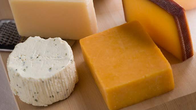 数種類のチーズ