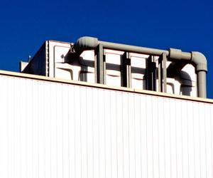 ビル屋上の給水槽
