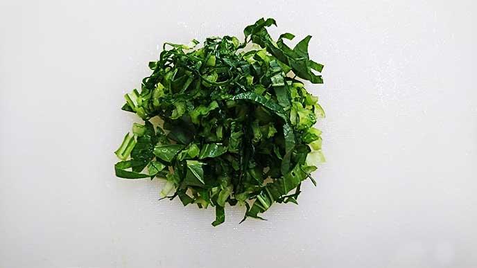 細かく刻んだ小松菜