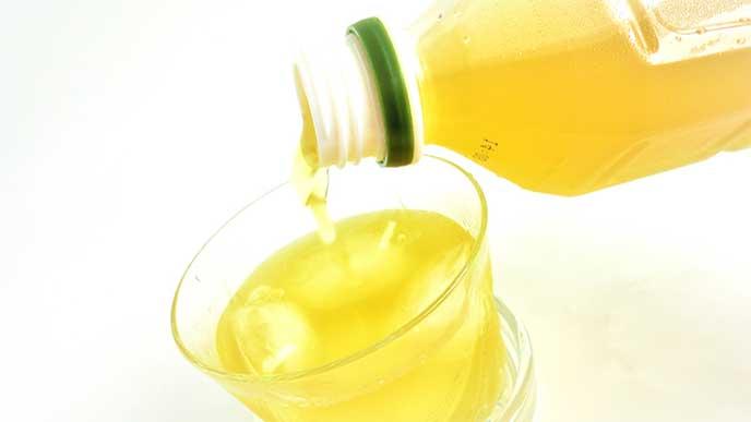 ペットボトルの緑茶