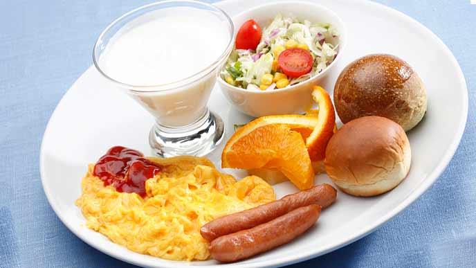 ヨーグルトがある朝食