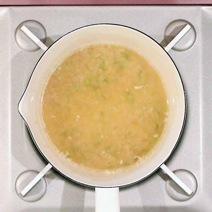 鍋の中で完成したあんかけスープ