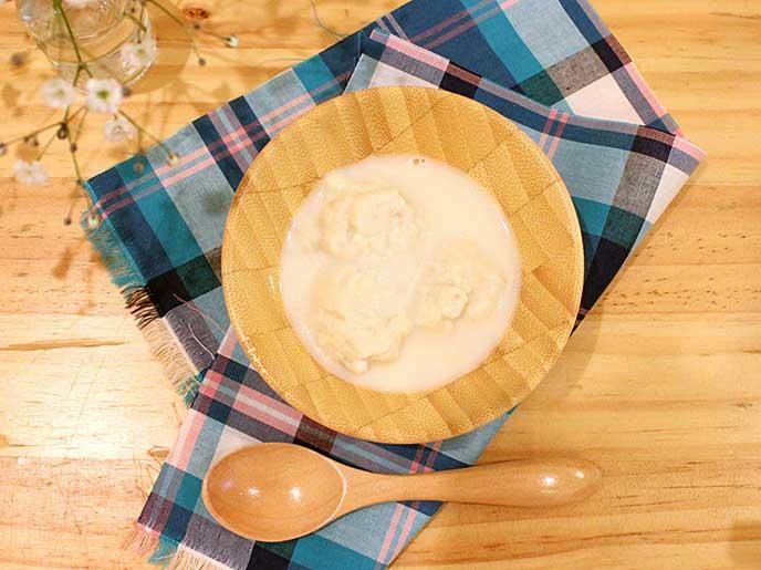 白身魚ふわふわだんごの豆乳スープ