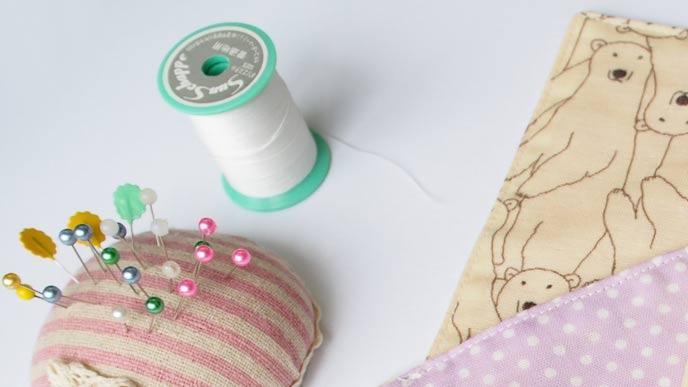 裁縫道具と布地