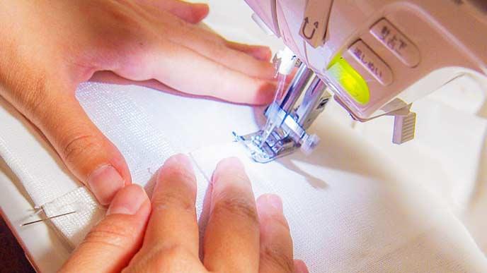 ミシンで縫物