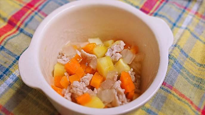 豚肉と根菜のだし煮完成品