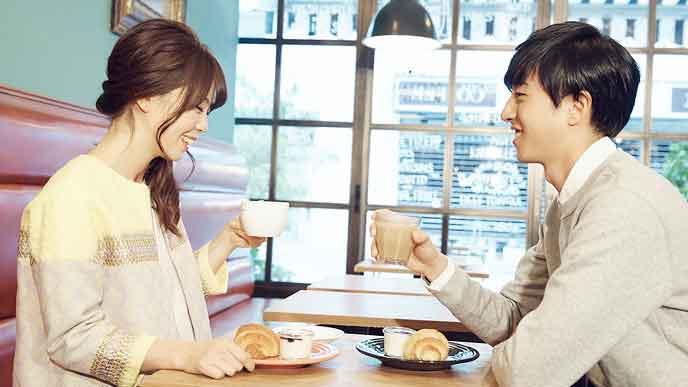 カフェでデート